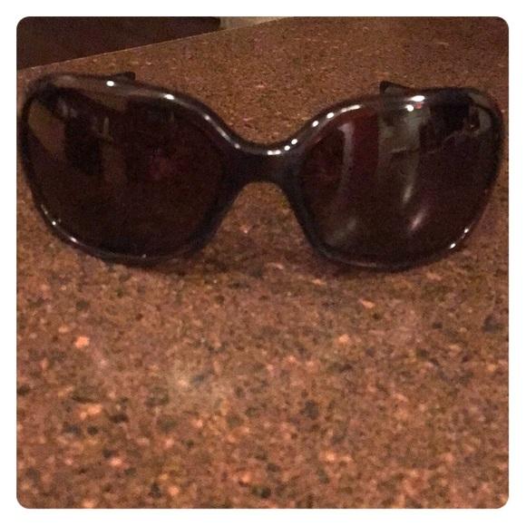 75f0d47b16c Oakley Accessories - Oakley women s sunglasses